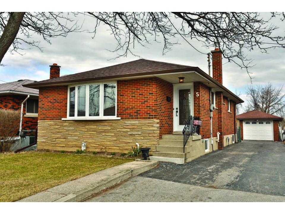 5 Nelligan Pl, Hamilton, Ontario, L8K 4X6